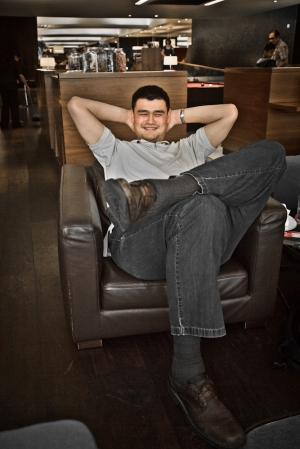Yao Ming Relaxes in Style at Virgin Clubhouse in Heathrow Airport